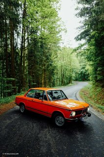 This Is What It's Like To Drive The BMW 2002 Tii - Photo 3 of 7 -