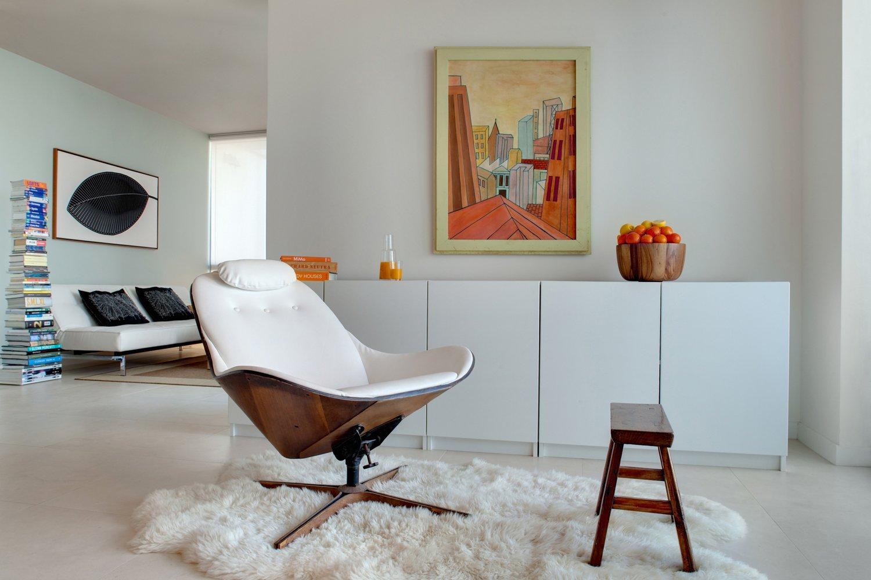 #modern #architecture #modernarchitecture #apartment #condo #condominium #minimal #lounge #DENArchitecture #Miami  Wind Apartment Interiors by DEN Architecture