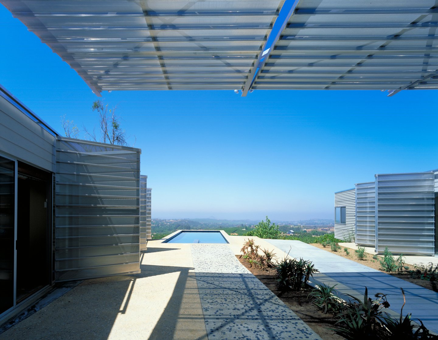 #exterior #outdoor #outside #pool #pooldesign #desert #view #eco #green #sustainable #ValleyCenter #California #KevinDalyArchitects  Valley Center House by Kevin Daly Architects