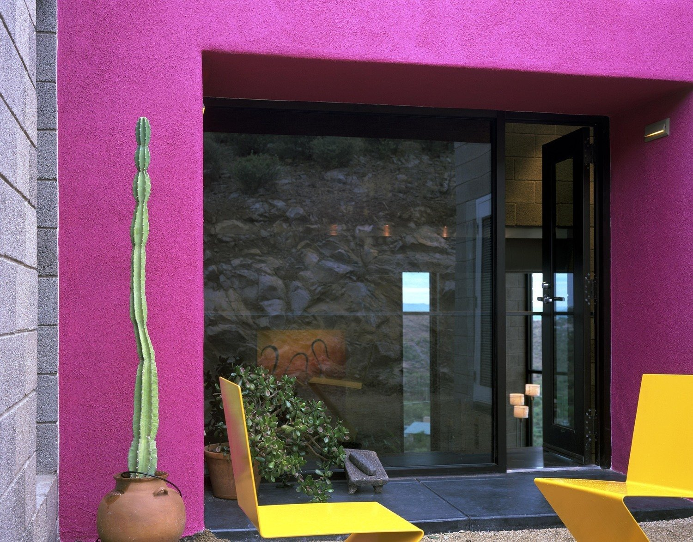 #modern #garciaresidence #ibarrarosanodesignarchitects #architecture #landscape #exterior #arizona #backyard #outdoor #seatingdesign #color #livingarea #openfloor #glass #glassdoor   Garcia Residence by Ibarra Rosano Design Architects
