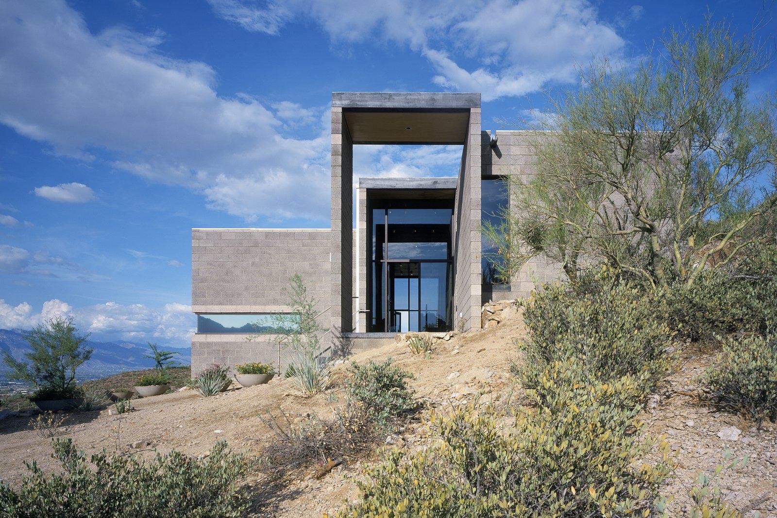 #modern #garciaresidence #ibarrarosanodesignarchitects #architecture #landscape #exterior #arizona #backyard #outdoor #glass #glassdoor   Garcia Residence by Ibarra Rosano Design Architects