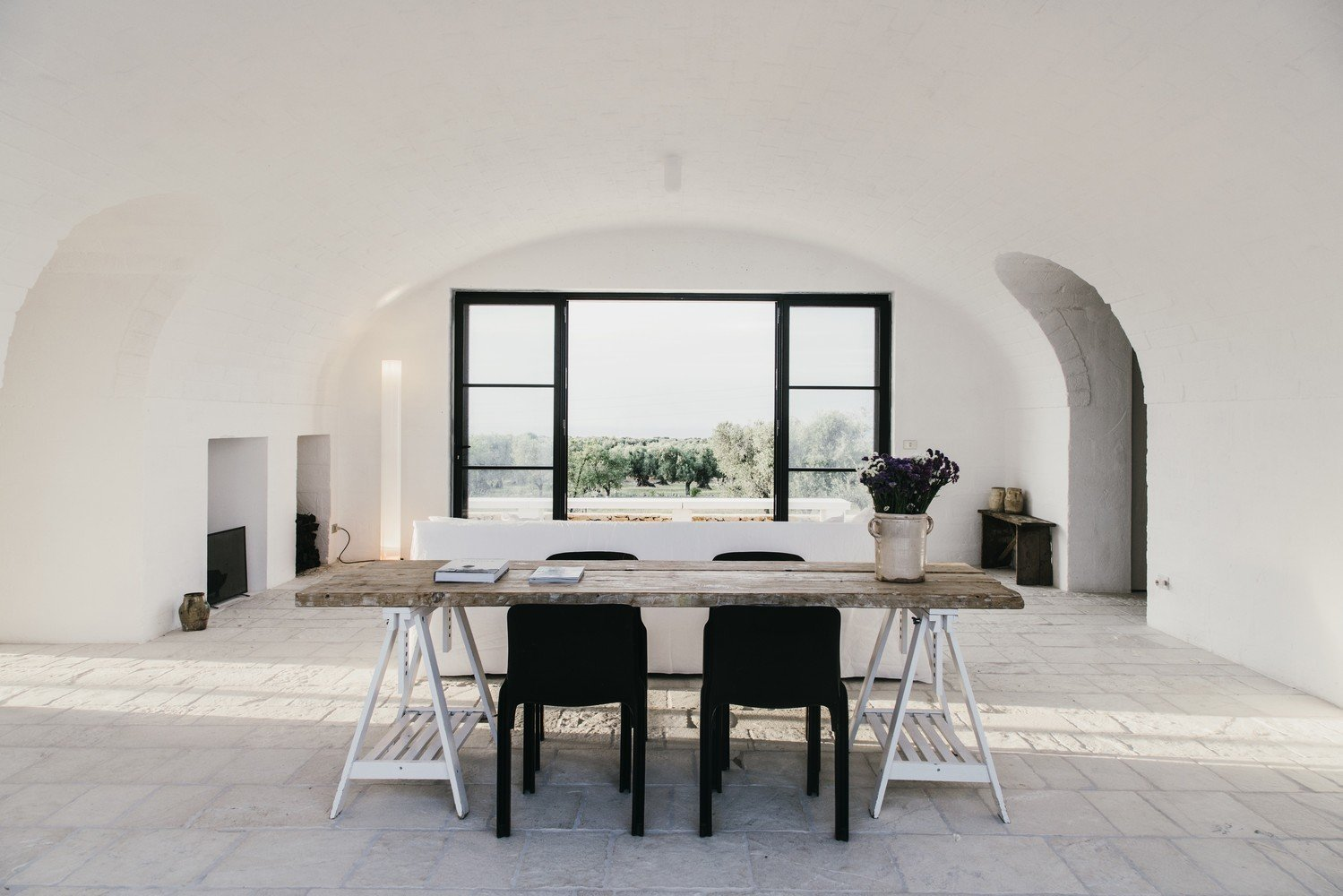 Photo 3 of 11 in 10 Exquisitely Modern Homes in Italy from Masseria Moroseta by Andrew Trotter
