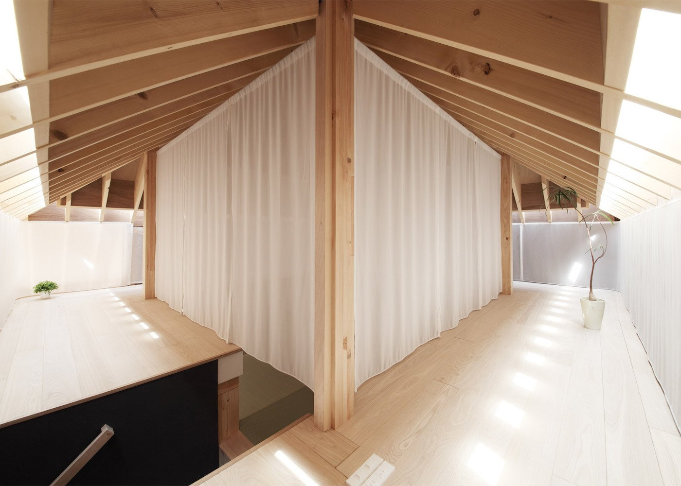 Unabashedly Strange Houses in Japan by Luke Hopping