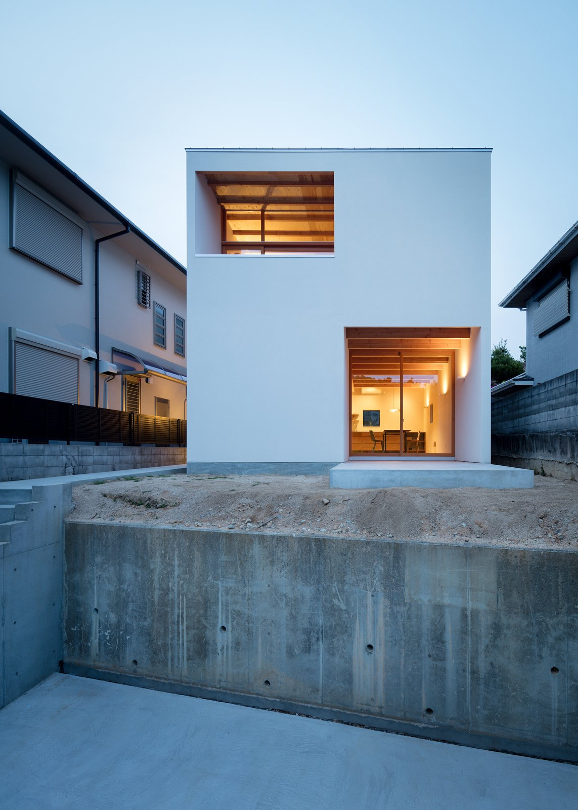Photo 3 of 6 in House in Mikage by SIDES CORE