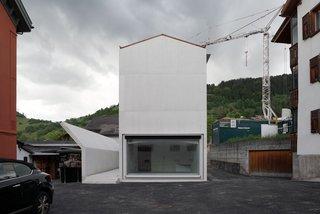 House in Laax by Valerio Olgiati - Photo 2 of 5 -