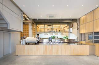 Blue Bottle Coffee Nakameguro Cafe by Schemata Architects - Photo 2 of 5 -