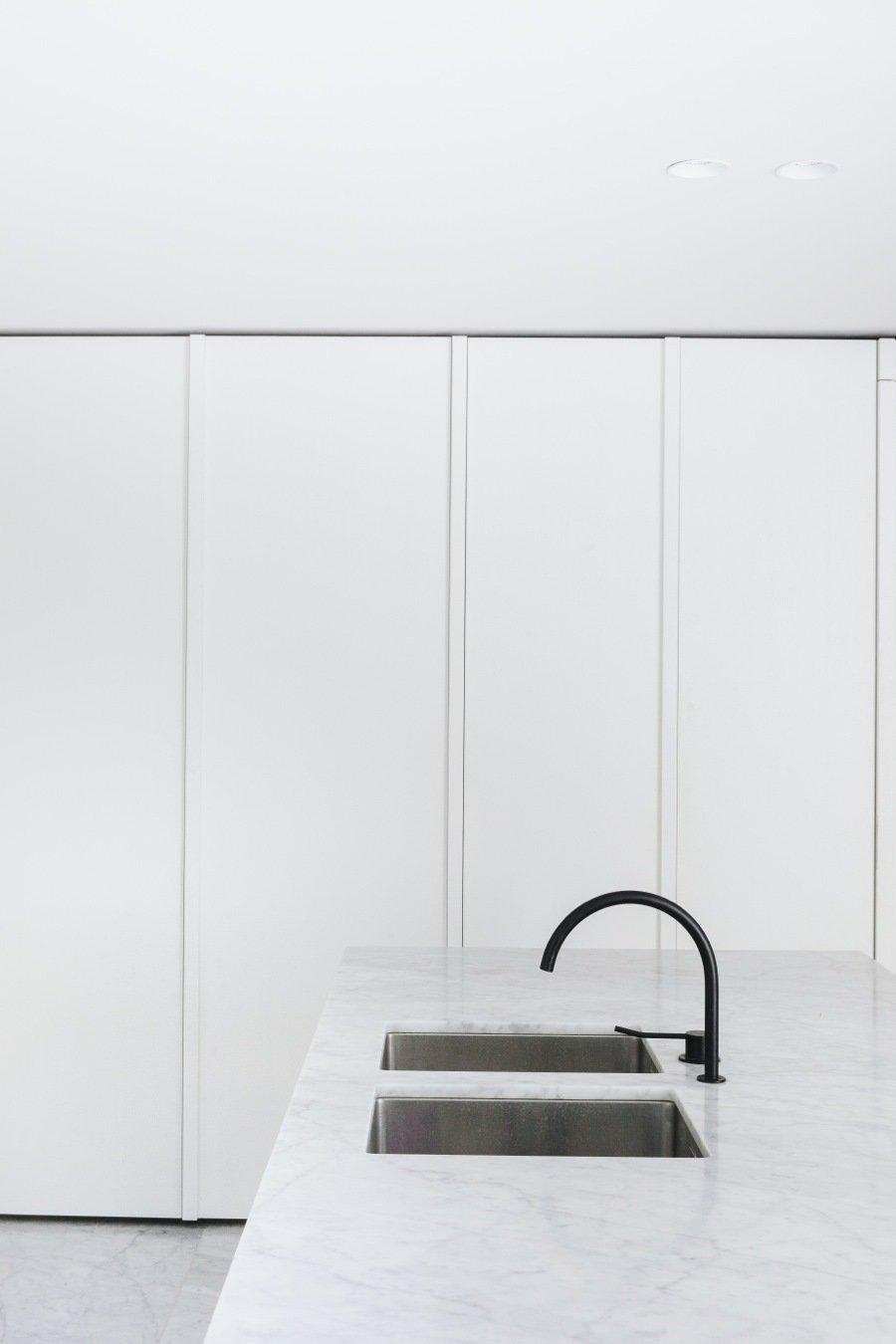 Kitchen by Lara Deam from House F Antwerp by Hans Verstuyft Architecten