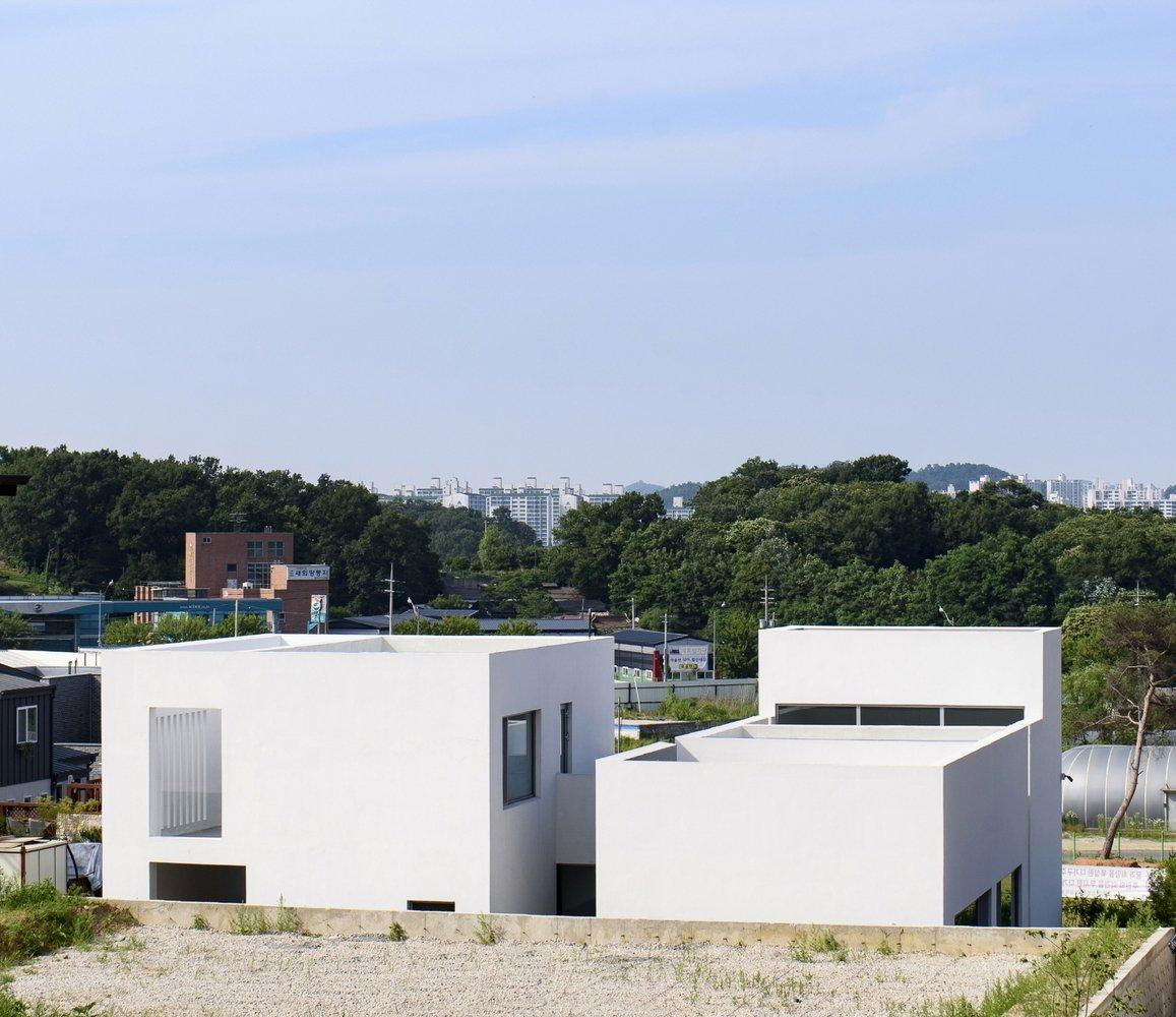 Lighthouse Residence by LEESLIST & Leejae Architects - Photo 4 of 6