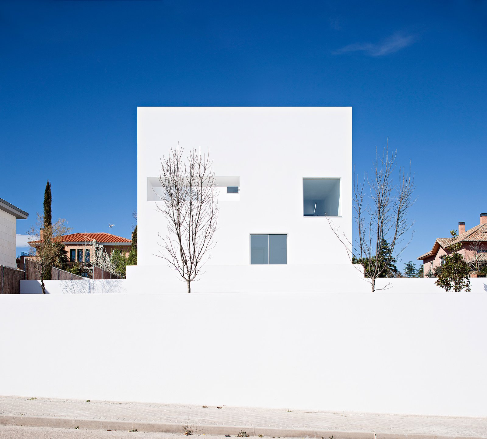 Photo 2 of 6 in Raumplan House by Alberto Campo Baeza