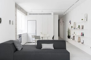 SIG Apartment by Yael Perry - Photo 5 of 8 -