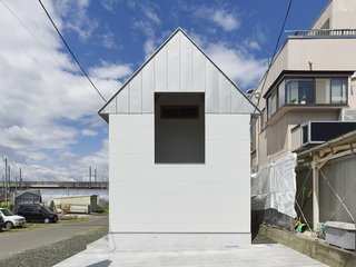 House in Suwamachi by Kazuya Saito Architects - Photo 1 of 8 -