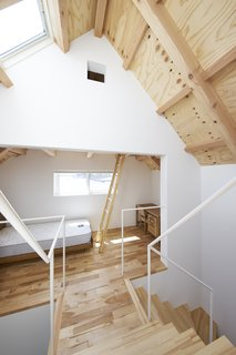 House in Suwamachi by Kazuya Saito Architects - Photo 2 of 8 -