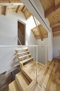 House in Suwamachi by Kazuya Saito Architects - Photo 5 of 8 -