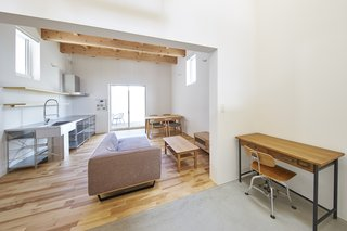 House in Suwamachi by Kazuya Saito Architects - Photo 7 of 8 -