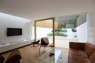 Extension to a Private House by Tamir Addidi Architecture - Photo 5 of 5 -