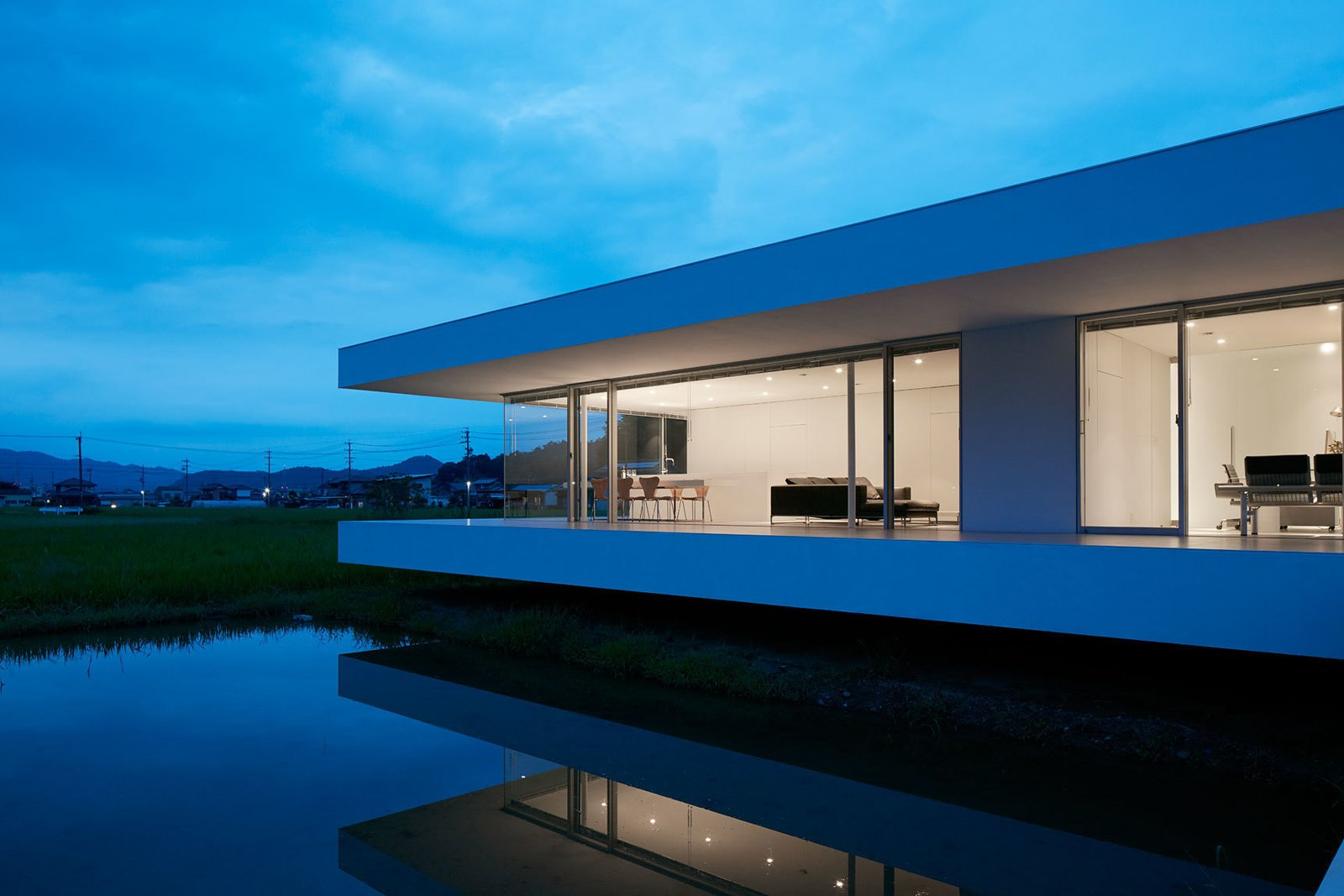 Photo 1 of 12 in F Residence by Shinichi Ogawa & Associates