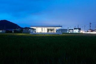 F Residence by Shinichi Ogawa & Associates - Photo 8 of 11 -