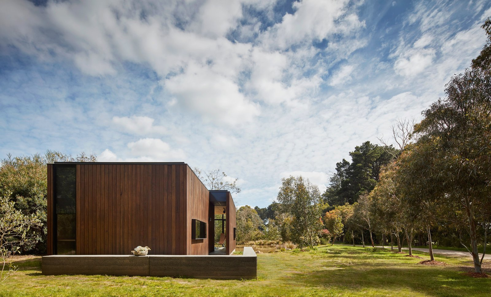 Photo 5 of 9 in Balnarring Retreat by Branch Studio Architects