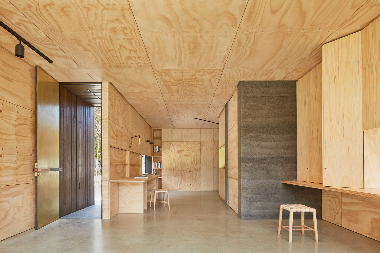 Photo 8 of 9 in Balnarring Retreat by Branch Studio Architects