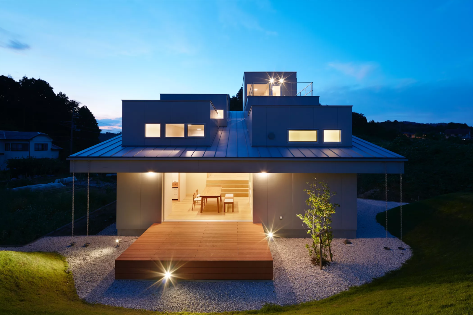 Photo 2 of 6 in House in Tokushima by Fujiwara-Muro Architects
