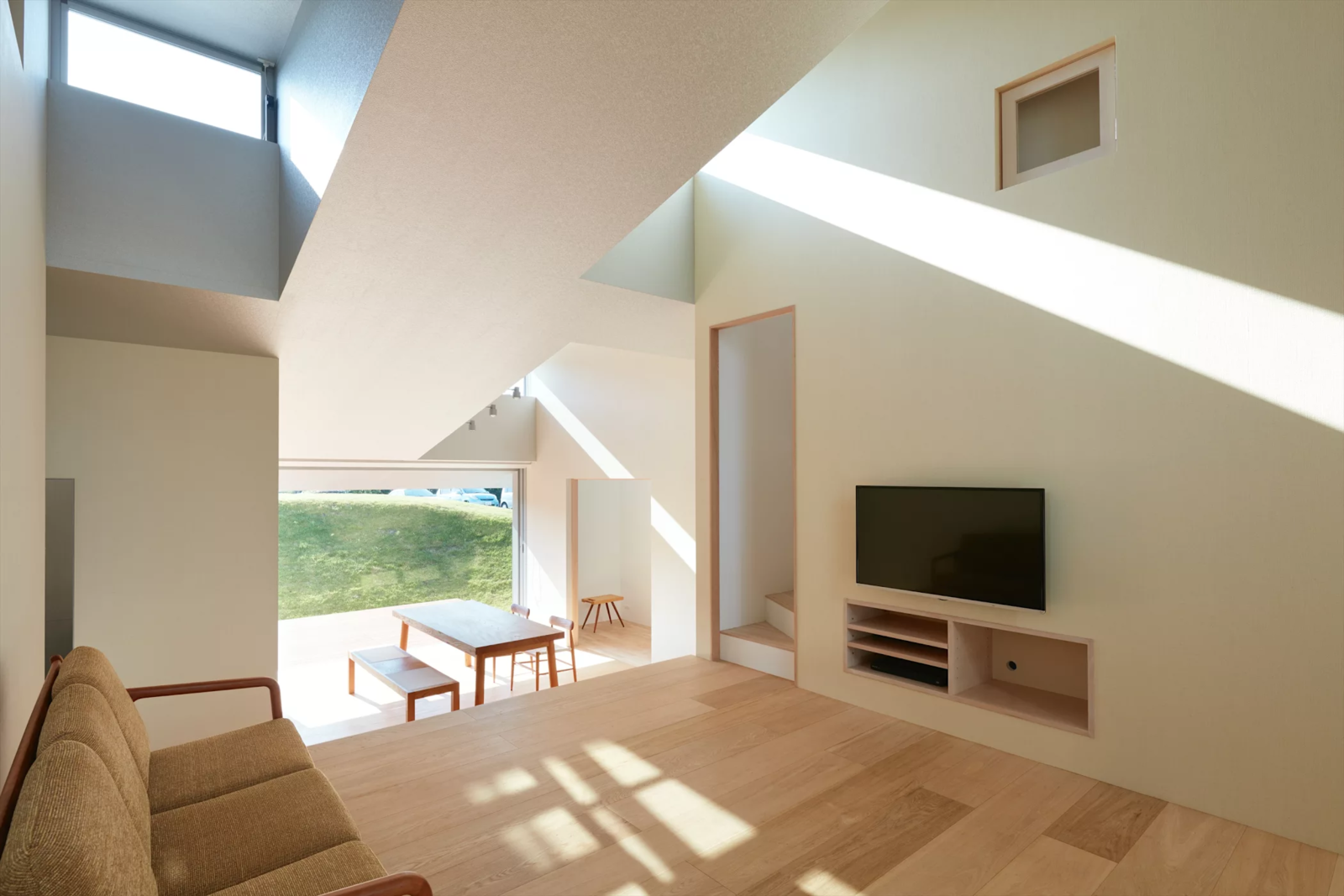 Photo 5 of 6 in House in Tokushima by Fujiwara-Muro Architects