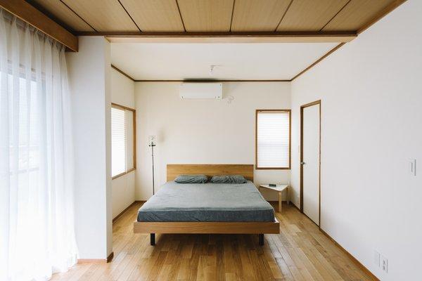 House in Ogikubo by SNARK