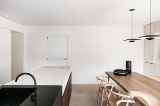 BC House by Dieter Vander Velpen - Photo 20 of 21 -