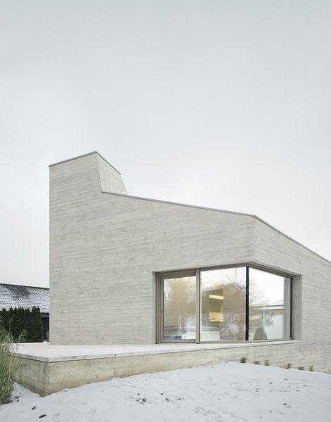 Photo 11 of E20 modern home