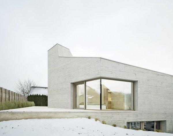 Front facade Photo 10 of E20 modern home