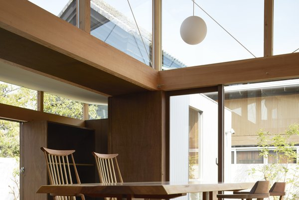 Photo 8 of House with Gardens and Roofs by Arii Irie Architects modern home