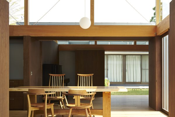 Photo 10 of House with Gardens and Roofs by Arii Irie Architects modern home