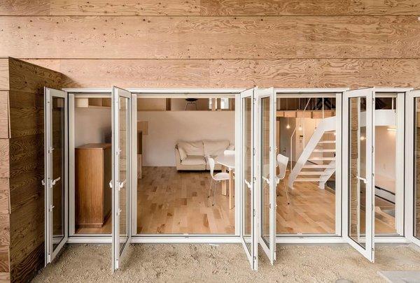 Photo 11 of R + R modern home