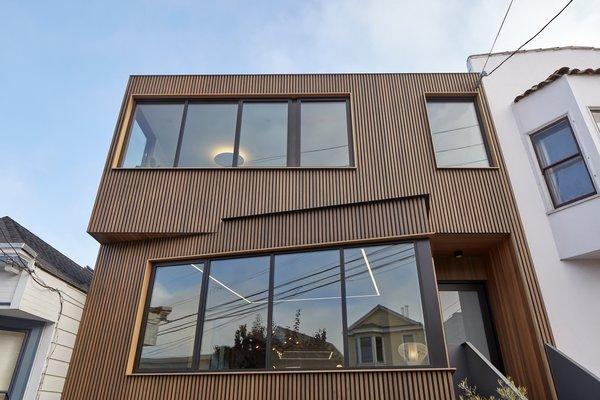 Front facade Photo  of Noe Valley House modern home