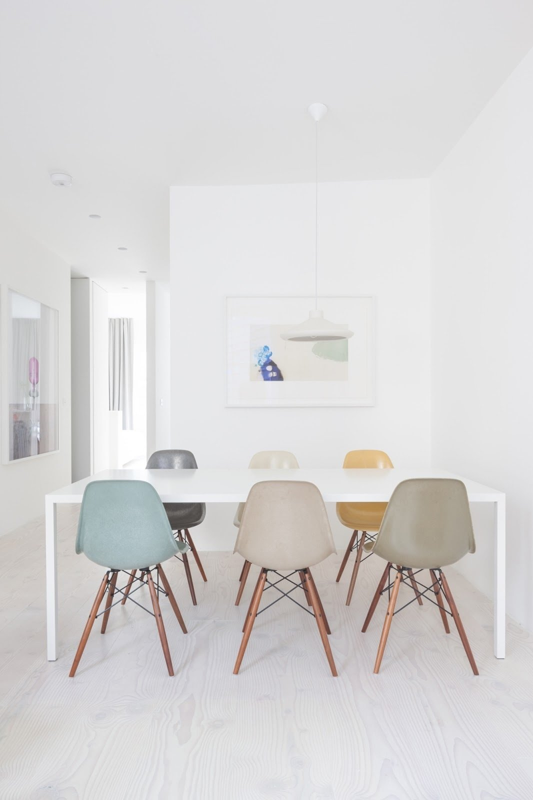Dining room  Bankside Apartment by Leibal