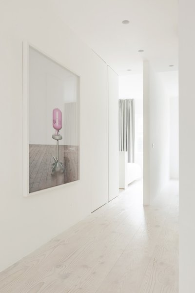 Photo 9 of Bankside Apartment modern home