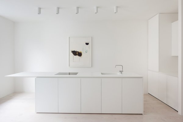 Kitchen Photo 11 of Bankside Apartment modern home