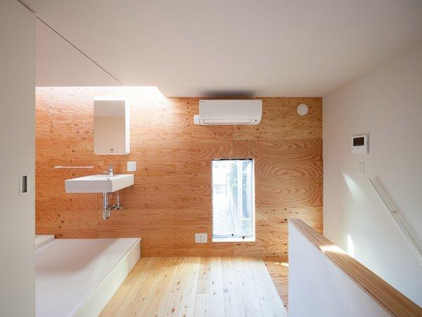 Bathroom Photo 4 of Gururi modern home