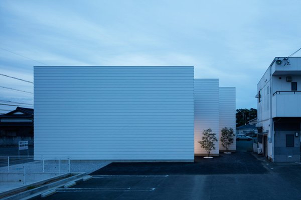 Front facade Photo  of 3 Walls in Fukuroi modern home