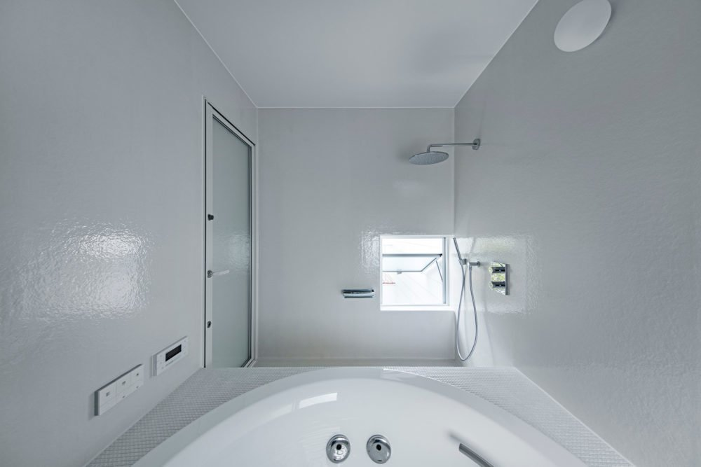 Bathroom  3 Walls in Fukuroi by Leibal