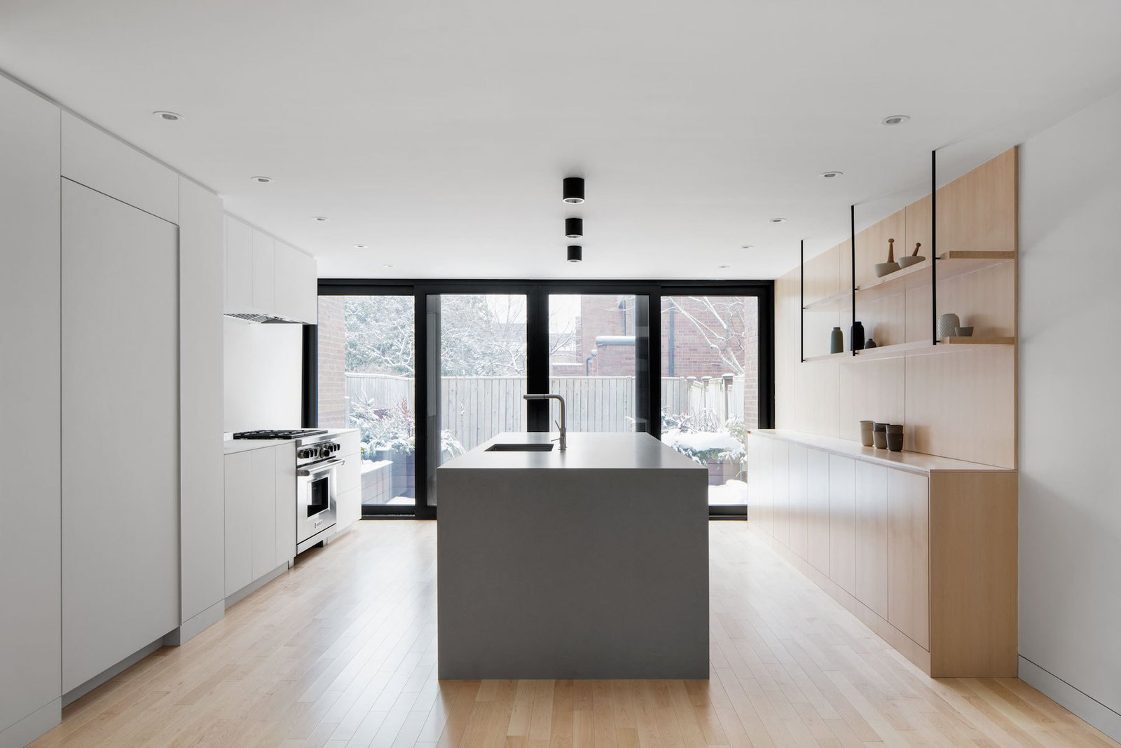 Kitchen island  Somerville Residence by Leibal