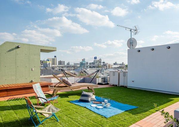 Photo 4 of Roof Meidaimae modern home