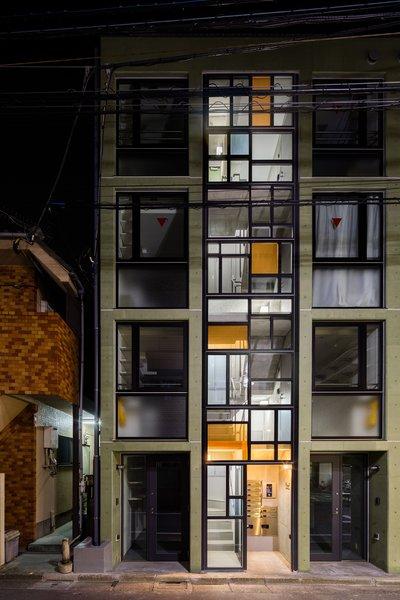 Photo 16 of Roof Meidaimae modern home