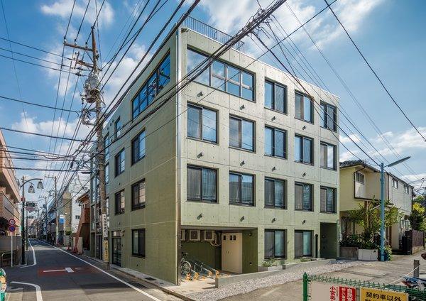 Photo 18 of Roof Meidaimae modern home