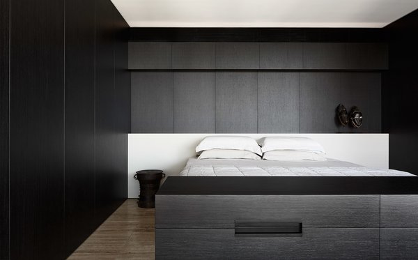 Modern home with bedroom. Photo  of Darling Point