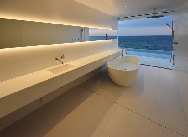 Photo 10 of Seaside House modern home