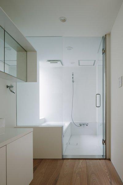 Modern home with bath room. Photo 14 of Vida
