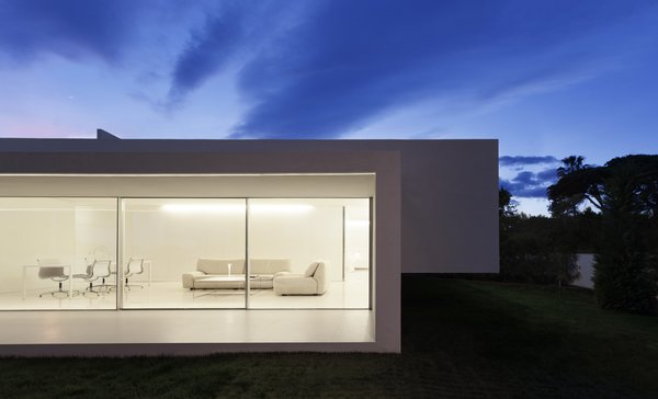 Modern home with outdoor and back yard. Photo  of Breeze House