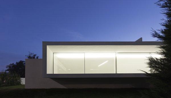 Photo 10 of Breeze House modern home