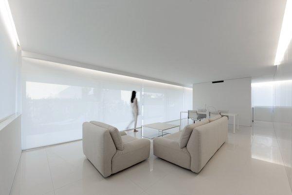 Photo 15 of Breeze House modern home