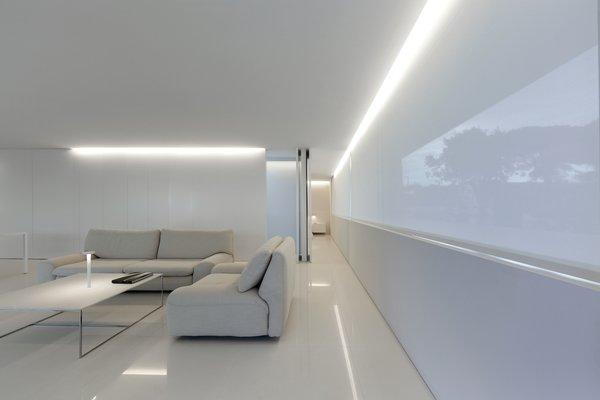 Photo 19 of Breeze House modern home